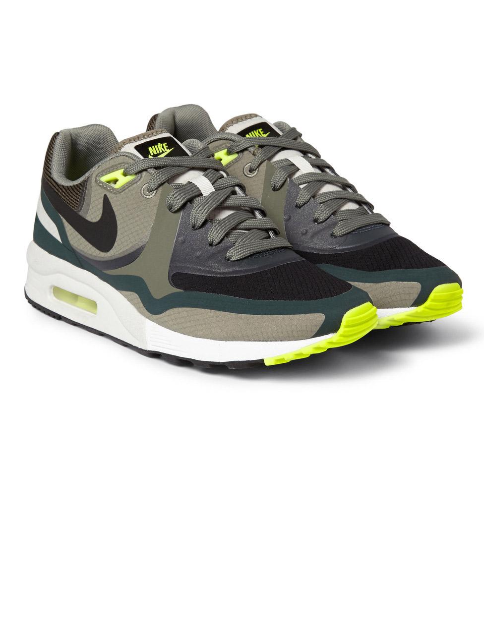 Nike 'Air Max'