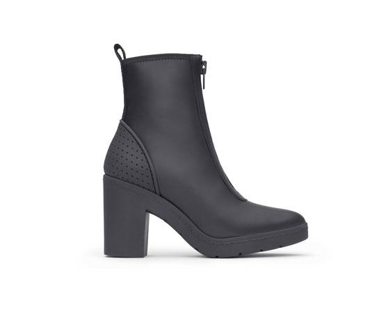 Boots en cuir Alexander Wang x H&M, 149 euros