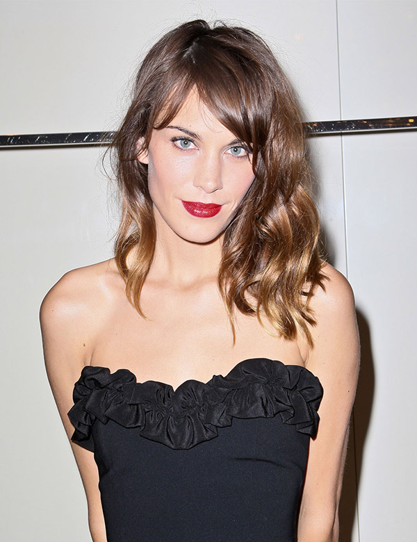 alexa chung red lipstick les eclaireuses