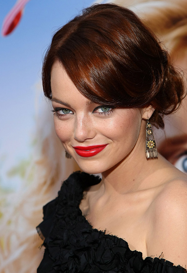 emma stone red lipstick les eclaireuses