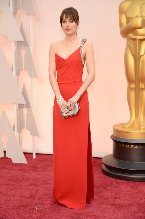 Dakota-Johnson-Saint-laurent-Oscars-2015