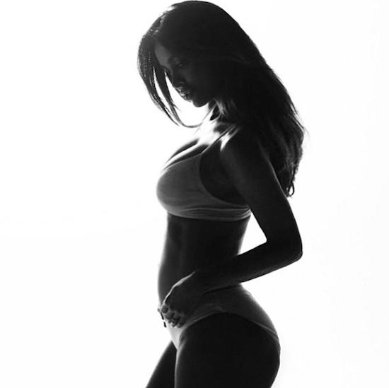 femme enceinte de 8 mois
