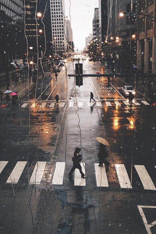 Vous vous moquez d'avoir une heure de soleil en plus en fin de journée si cela vous prive d'une heure de votre précieux sommeil. Surtout que chez vous, il pleut.