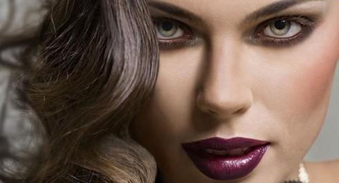 Le rouge à lèvres prune