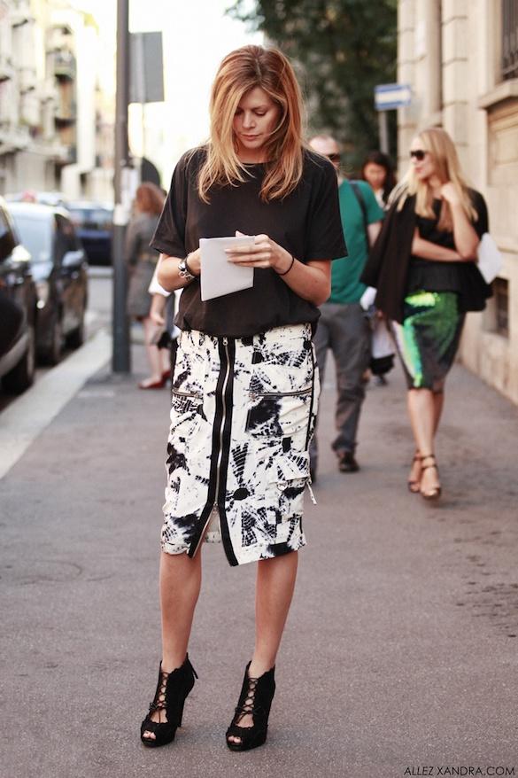printed skirt street style