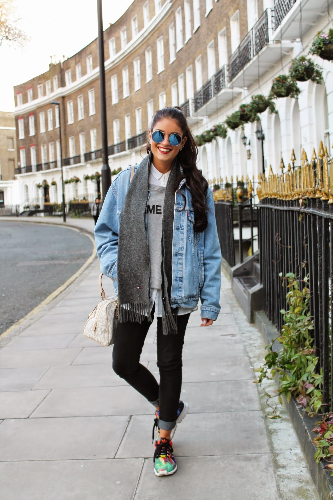 denim jacket streetstyle