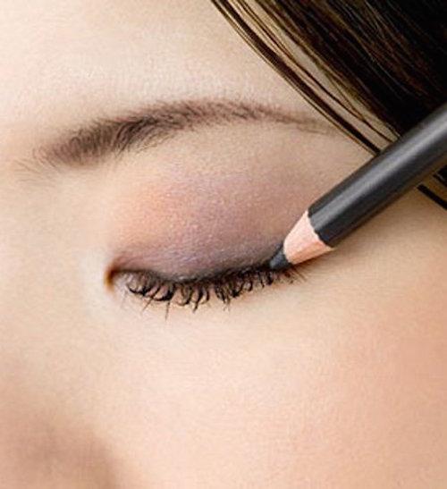 Bien appliquer son eye-liner