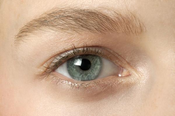 Tuto Makeup : Belle au réveil, ni vu ni connu !