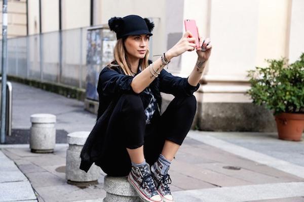 20 comportements que seules les femmes addicts à leur portable peuvent comprendre