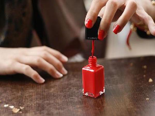 Astuces : Nettoyer des tâches de vernis à ongles