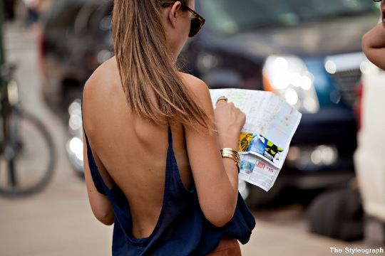 Street Style fille dos nu