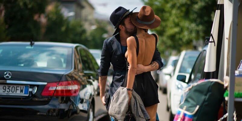couple chapeaux