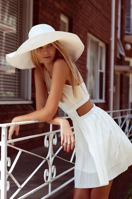 tenue blanche pour l'été - robe blanche