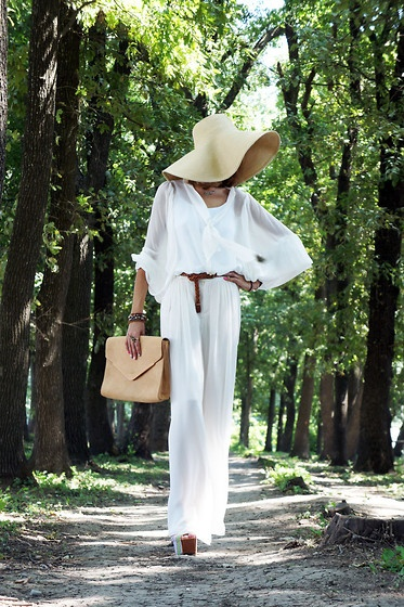 summer hat - white outfit
