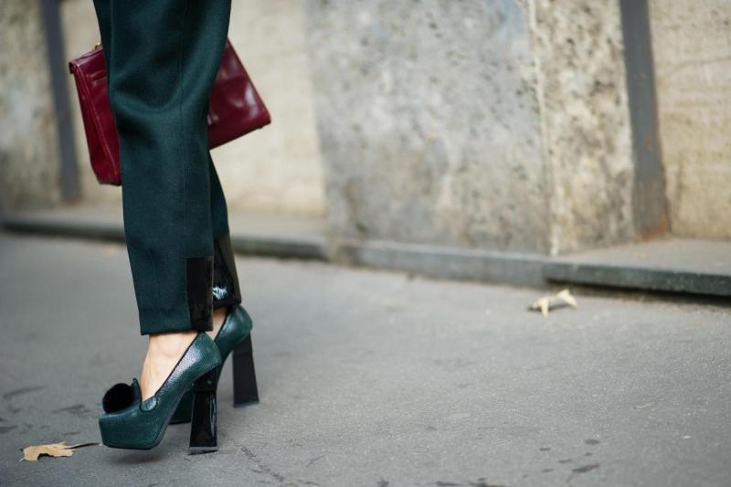 talons hauts et épais - prada high heels
