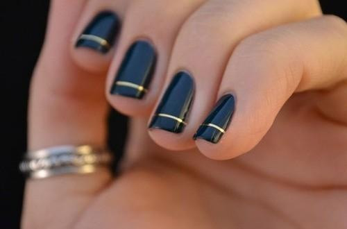nails art bleu fil doré