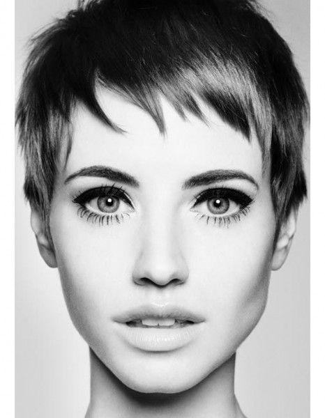 9 problèmes que connaissent les filles aux cheveux courts