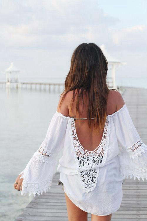 vendeuses robe plage blanche