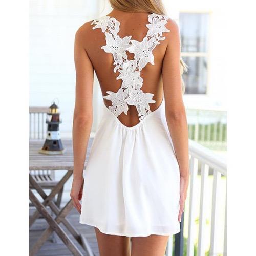 robes blanches de dos