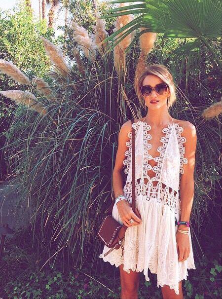 robe blanche de plage
