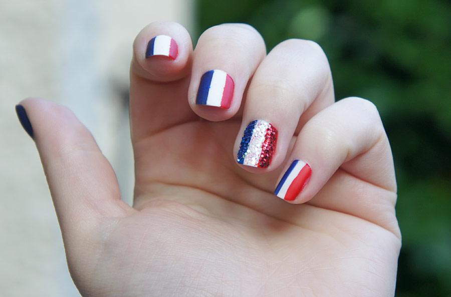 nail art 14 juillet facile