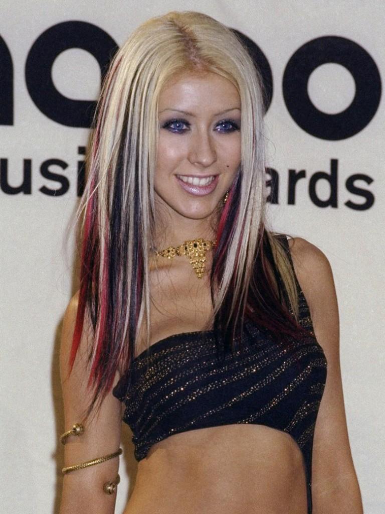 couleur cheveux christina aguilera