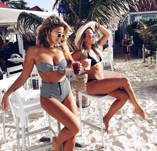 amies sur la plage