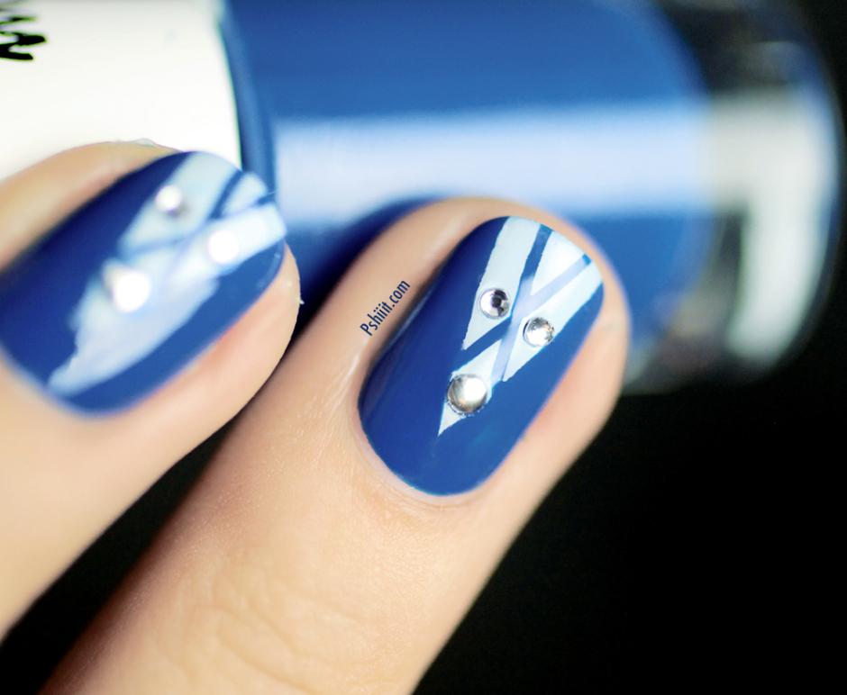 nail art bleu et blanc