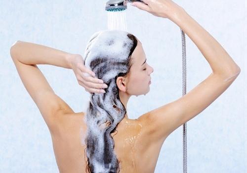 Comment avoir les cheveux brillants