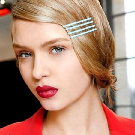 coiffure tendance avec barrettes