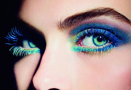 colored mascara makeup