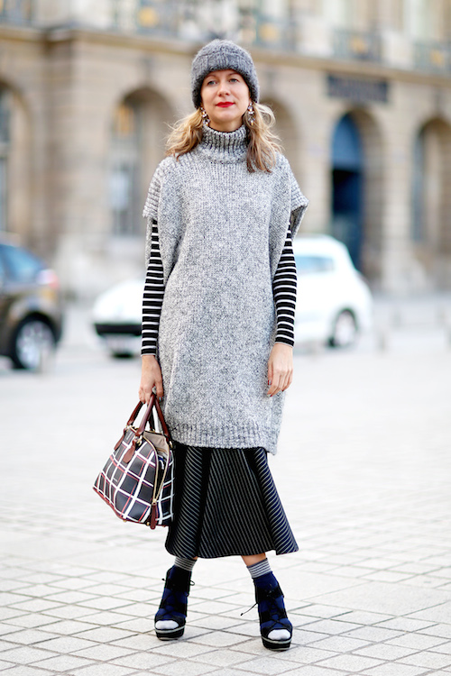 street style pull sans manches gris