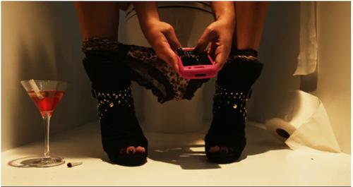 texto au toilette femme