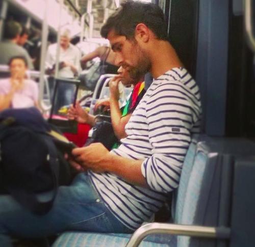 Les plus beaux mecs du metro  a paris