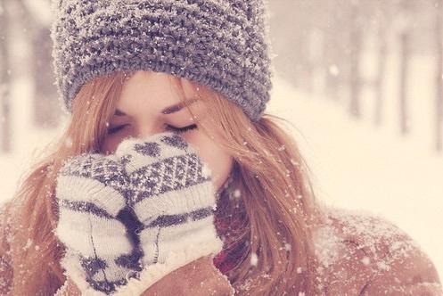 fille sous la neige