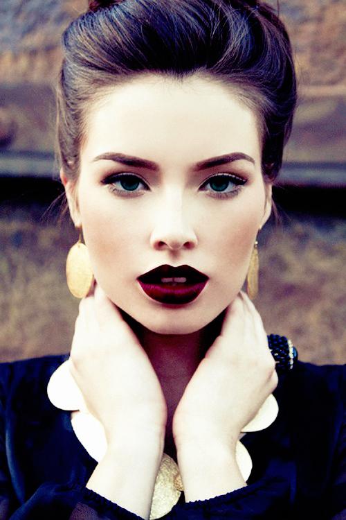 Le red dark lips fait son grand comeback