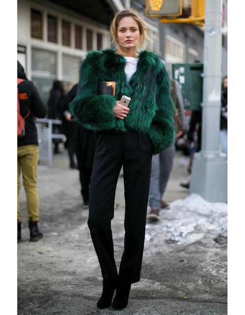 street style fourrure vert émeraude tendance hiver 2015