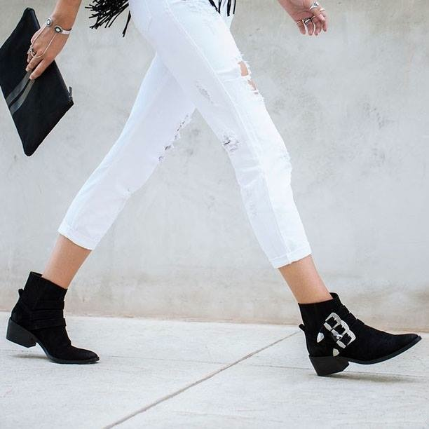 boucles boots sangles noires street style