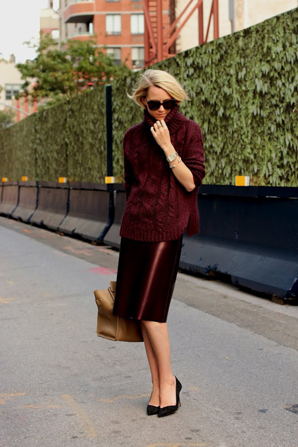 street style look burgundy rouge