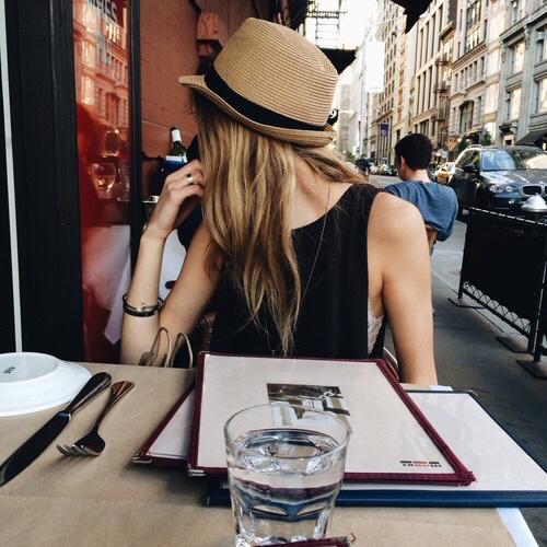 8 raisons qui prouvent que les filles gourmandes sont les plus cools