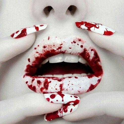 Le nail art de la semaine #special : bloody halloween
