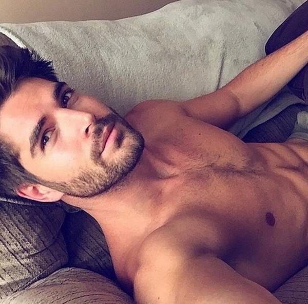 Hot Dudes In beds : le compte instagram qui va vous donner encore plus envie de rester au lit