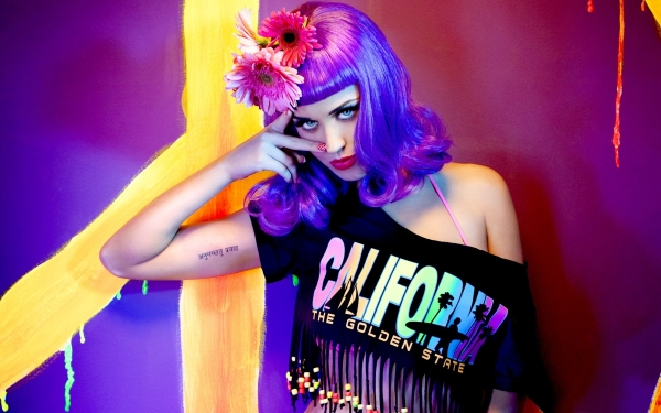Katy parry hair coloration