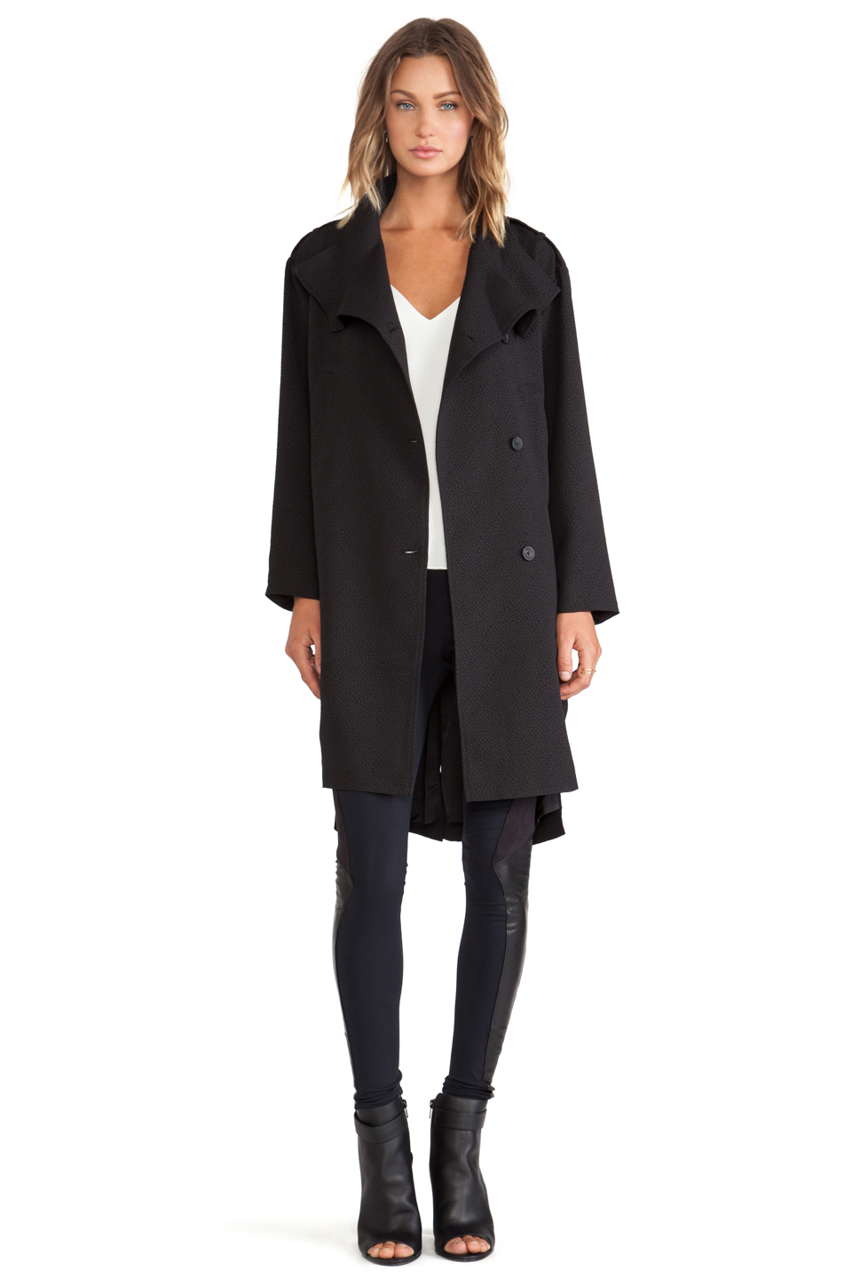 Line & Dot - Trench(129 €)