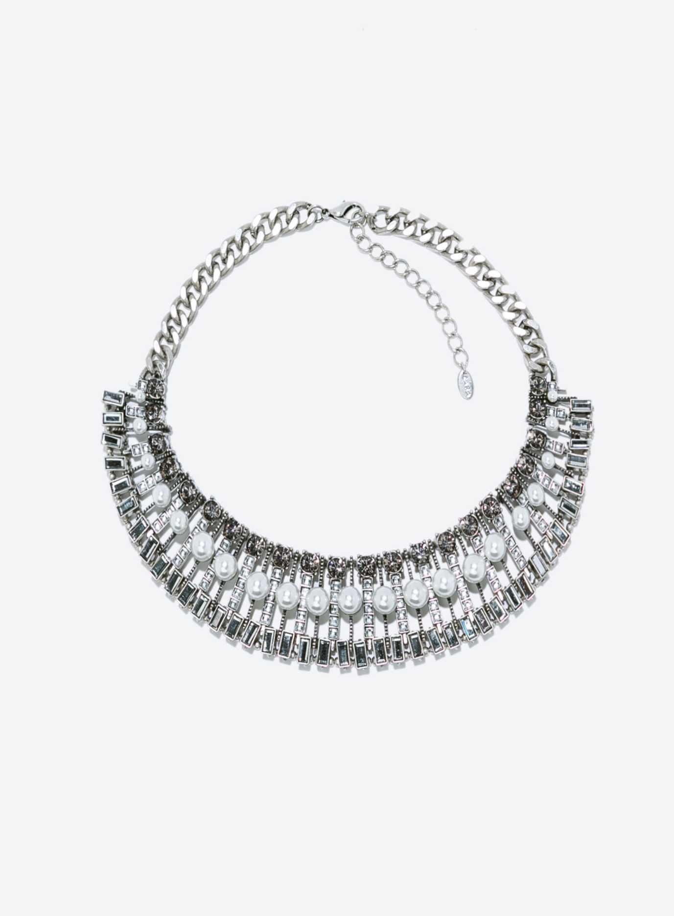 Zara - Collier(28 €)
