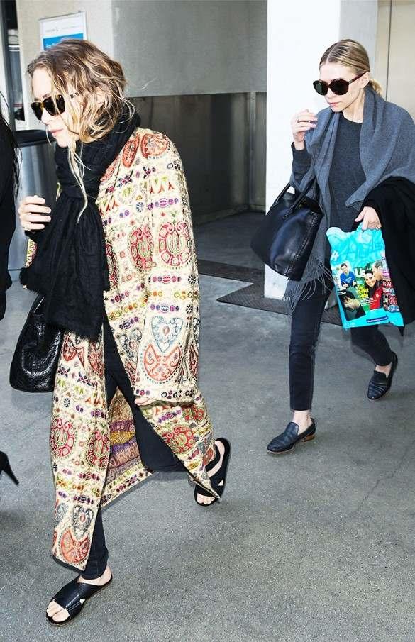 Les jumelles Olsen sont les reines de la cape. Très avant-gardiste, ça fait longtemps qu\'elles l\'ont adoptée.