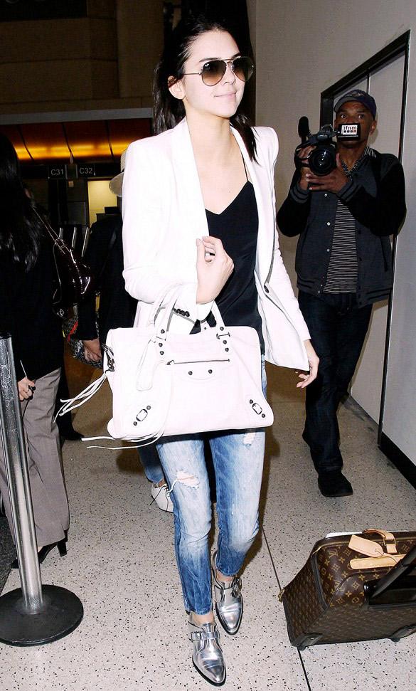 Pour une ambiance plus décontractée avec beaucoup de style, optez pour une paire de mocassins. Sur la photo : Kendall Jenner