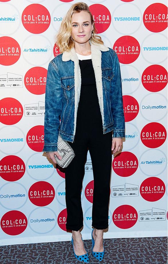 Essayez un look à la Diane Kruger. Posez une veste en jean sur une combinaison noire chic, et agrémentez avec des escarpins et une pochette imprimées pour donner de la personnalité. Sur Diane Kruger: Veste vintage Levi\'s; Combinaison Roland Mouret; Pochette Alexander McQueen