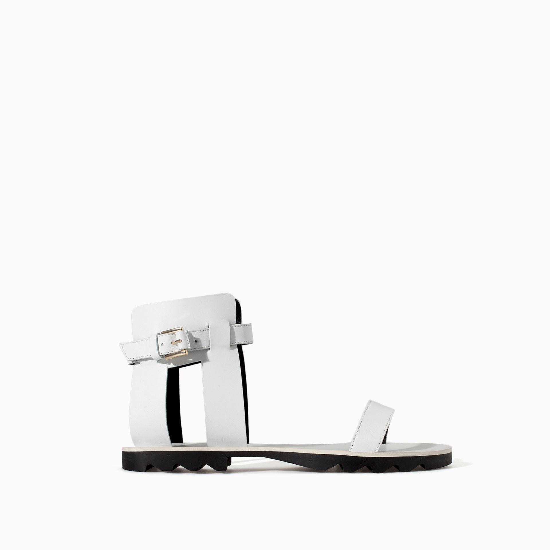 Zara - Sandales à brides (29,99 €)