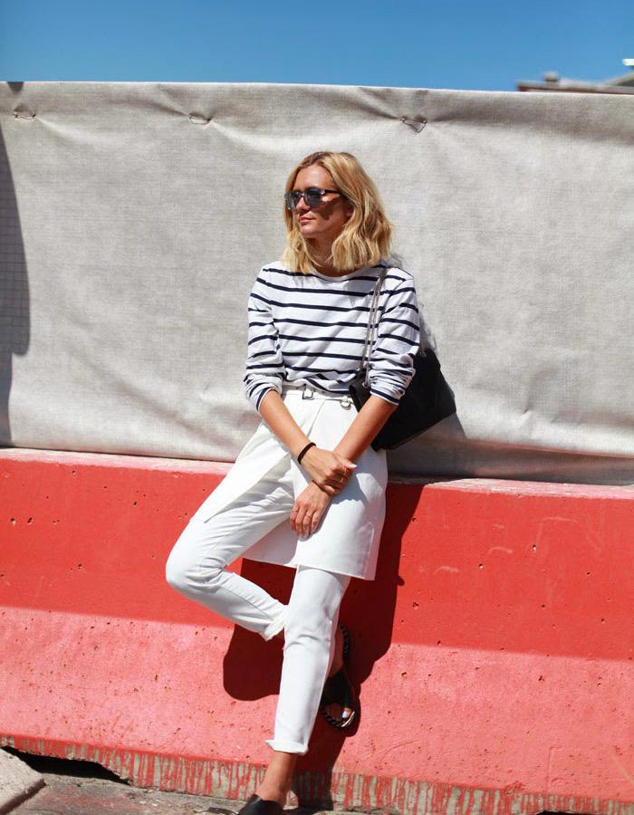 Sur la photo : Anne Lauredu blog Adenorah Anne Laure porte : Pantalon Front Row, Sandales RAS; Top Vintage; Sac Saint Laurent